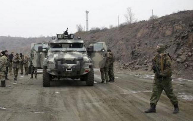Бойовики продовжують обстрілювати позиції сил АТО і населені пункти, - штаб