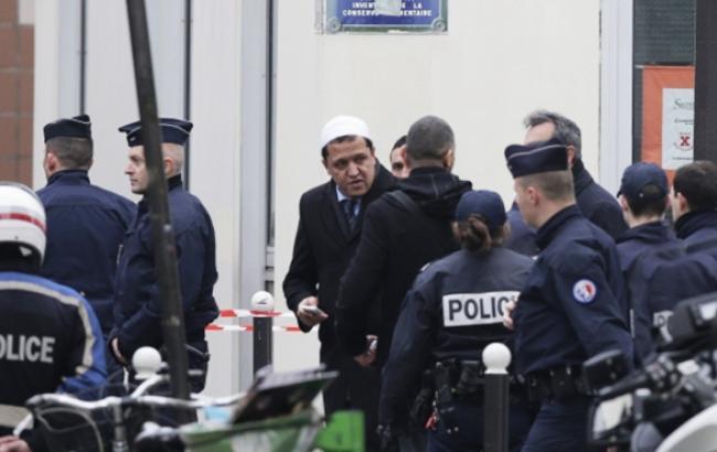 У Парижі затримано 12 підозрюваних у терактах
