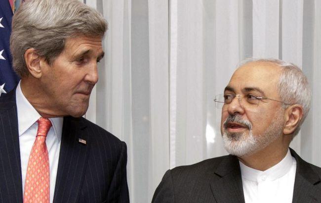 Фото: госсекретарь Джон Керри и министро иностранных дел Ирана Джавад Зариф