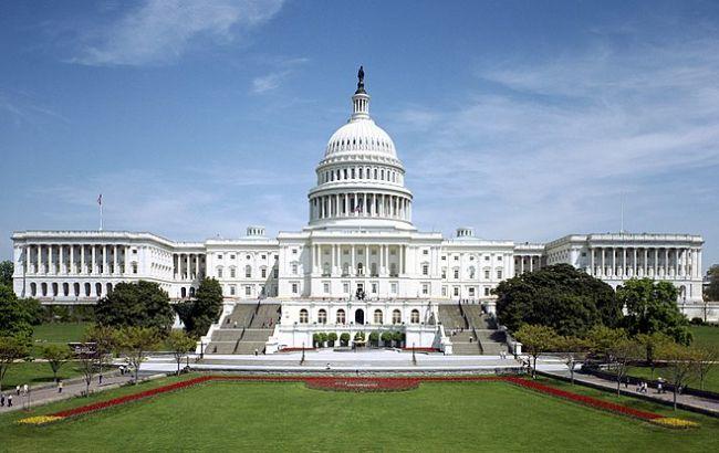 Американское руководство прекратило работу из-за отсутствия снобжения деньгами