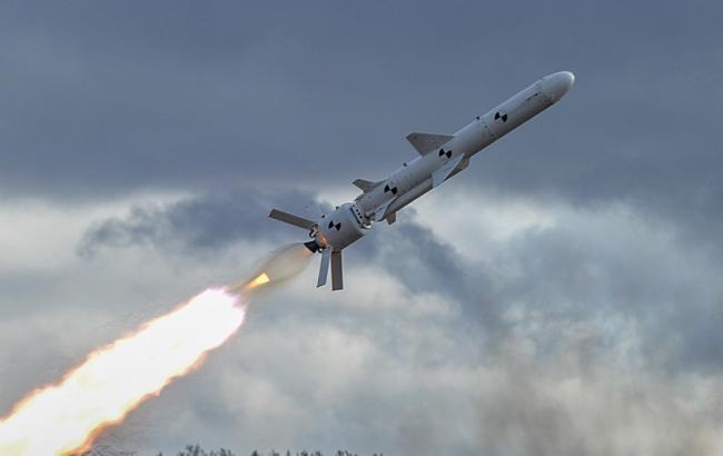 Фото: випробування крилатої ракети (turchynov.com)
