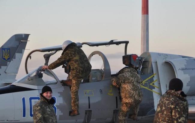 Вищий пілотаж: в мережі показали фото маневрів українських льотчиків