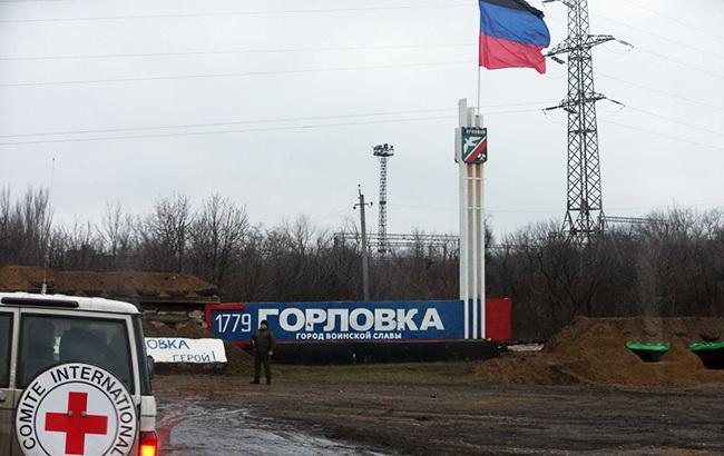 Боевики на Донбассе обстреляли еще один поселок под Горловкой