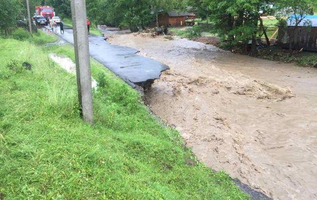 В Закарпатской области за два часа выпала 20-дневная норма дождей