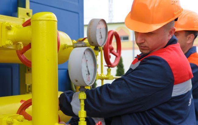 """Фото: бригади """"Укртрансгазу"""" ліквідують розгерметизацію газопроводу"""