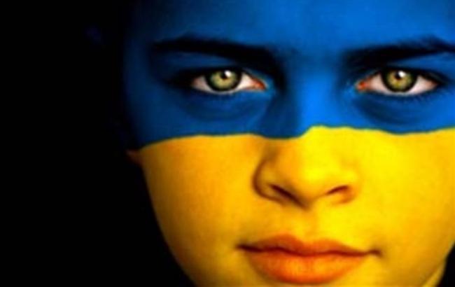 фото: 85 % граждан Украины считает украинский язык родным
