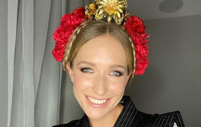 Східна красуня: Катя Осадча в сукні за 2300 євро полонила розкішною фігурою