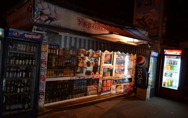 Фото: в Киеве могут ввести запрет на продажу алкоголя с 23:00 и до утра