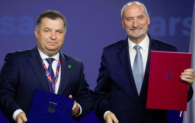 Фото: Полторак і Мацеревич на саміті НАТО у Варшаві