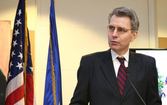 Пайетт показал, как американские десантники тренируют украинских военных