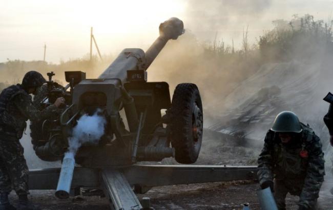 Бойовики за добу 17 раз обстріляли позиції сил АТО, - штаб