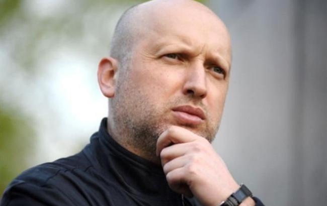 РФ намагається перевести гібридну війну проти України в активну фазу, - Турчинов