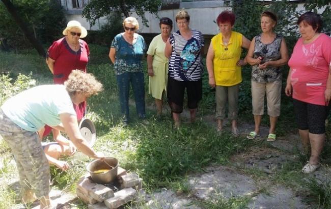 Фото: Люди готовят еду на продукты (primechaniya.ru)