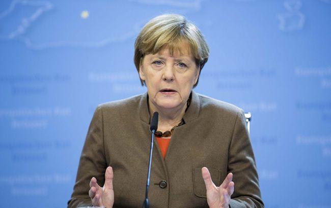 Меркель раскритиковала Трампа за намерение выйти из Транстихоокеанского партнерства