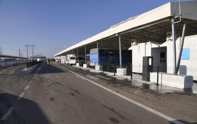 На пункті пропуску на Донбасі помер чоловік