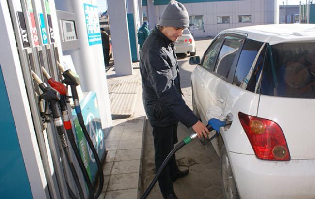 Ціни на АЗС в Києві 19 листопада майже не змінилися