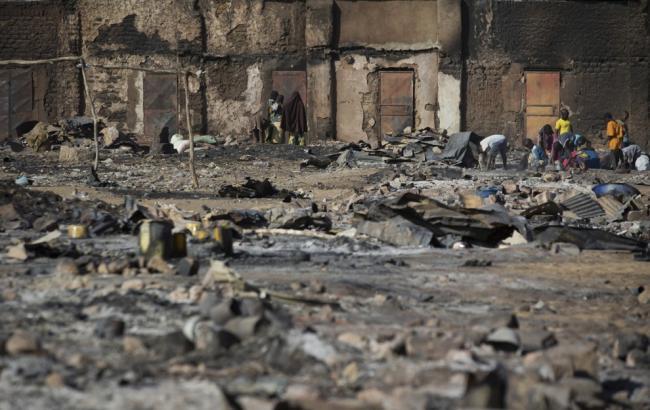 37 человек погибли в итоге взрыва ввоенном лагере вМали