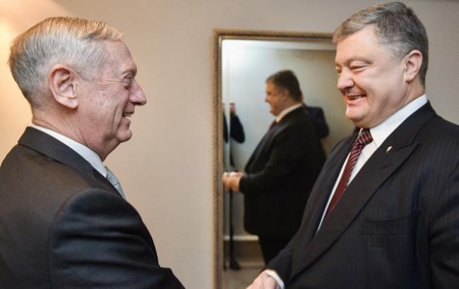 Порошенко обговорив із главою Пентагону введення миротворців на Донбас