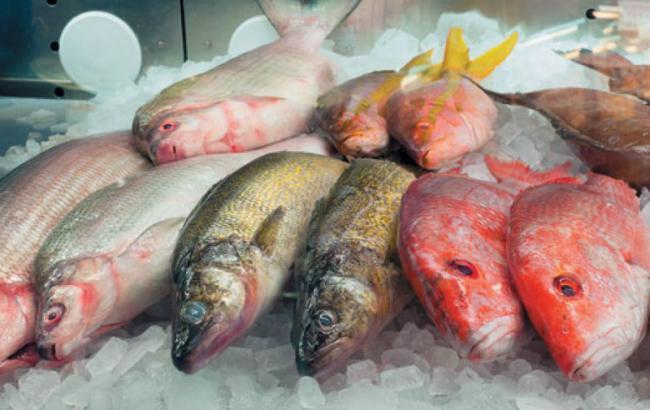 ВКиеве приобретенной всупермаркете рыбой отравились трое людей, один человек скончался