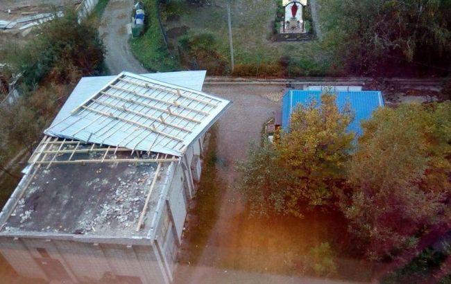На Львів обрушилася буря, частина доріг перекрита