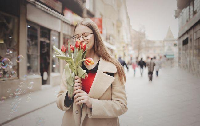 Праздник 8 марта: самые милые поздравления в стихах для женщин