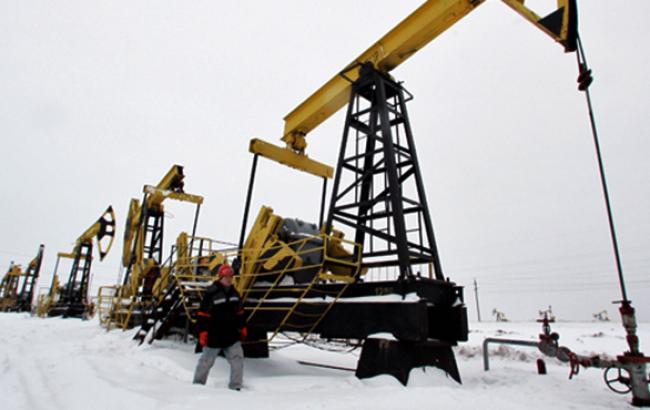 Нефть WTI впервые почти за 6 лет упала ниже 51 долл./баррель