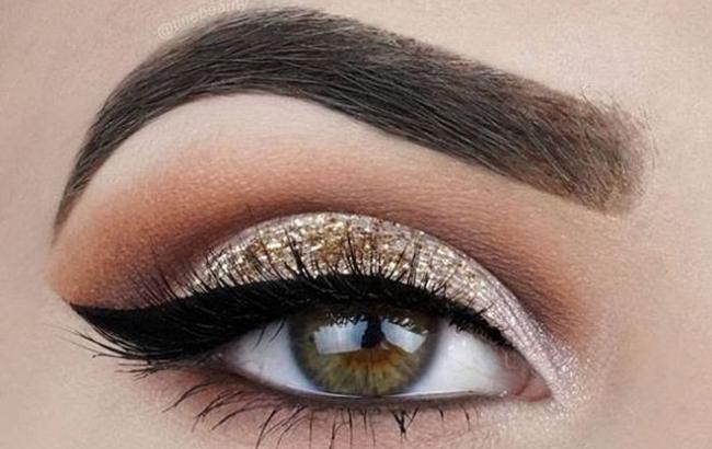 Як збільшити око за допомогою макіяжу?