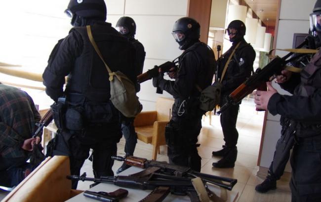 Фото: ведуться обшуки в Державіаслужбі та АМПУ