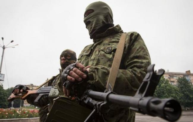 За ночь боевики 16 раз обстреляли позиции сил АТО, - штаб