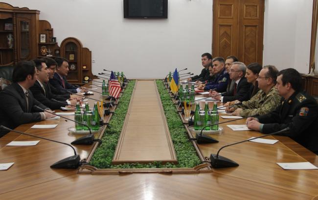 Фото: встреча представителей США и Минобороны Украины