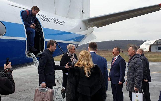 Авіарейс Київ-Ужгород скасовують через нерентабельність