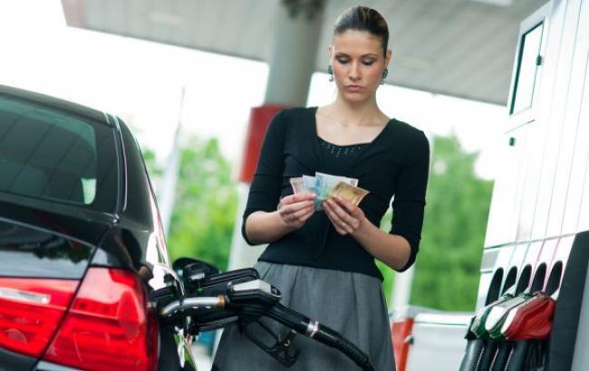 Ціни на АЗС у Києві 10 листопада зросли в середньому на 18-31 копійку