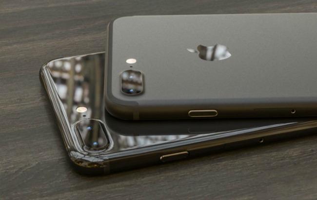 iPhone 7 в цветахSpace Black и Piano Black