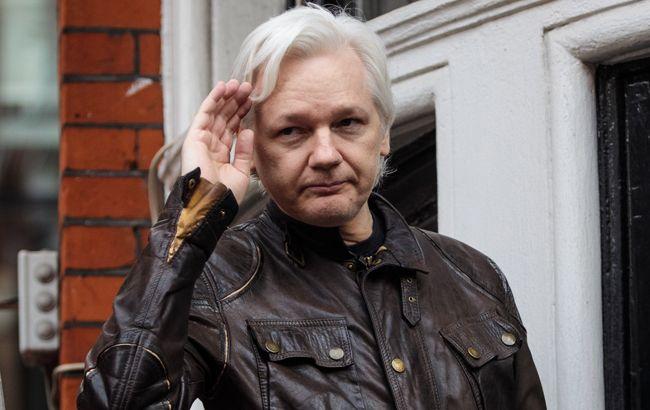 Ассанжа затримали в Лондоні