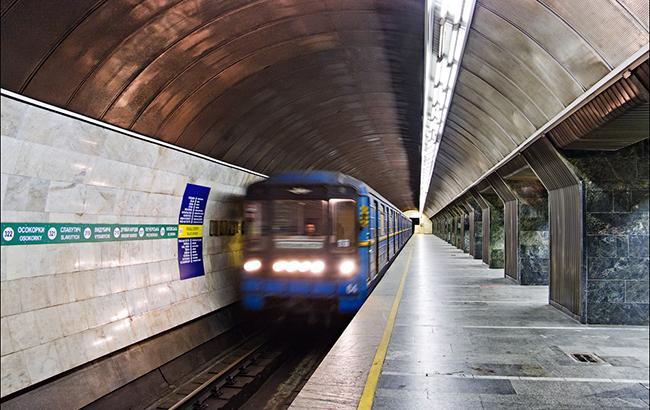 У київському метро з'явився незвичний вагон (фото)