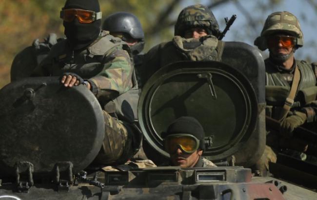 Бойовики і російські війська продовжують формування ударних угруповань на Донбасі, - ІС