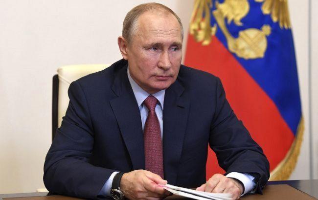 Трамп не обращал внимания на негативную информацию о Путине, - Болтон