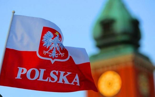 Минздрав Польши хочет запретить невакцинированным иностранцам въезжать в страну