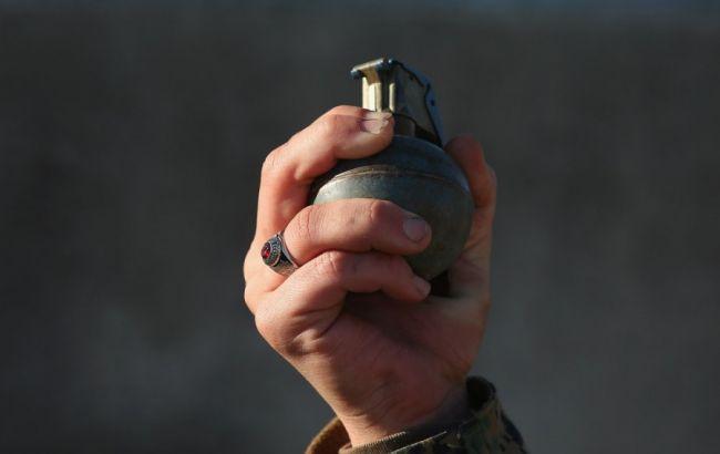 ВОдесской области гражданин многоэтажки бросил гранату сбалкона