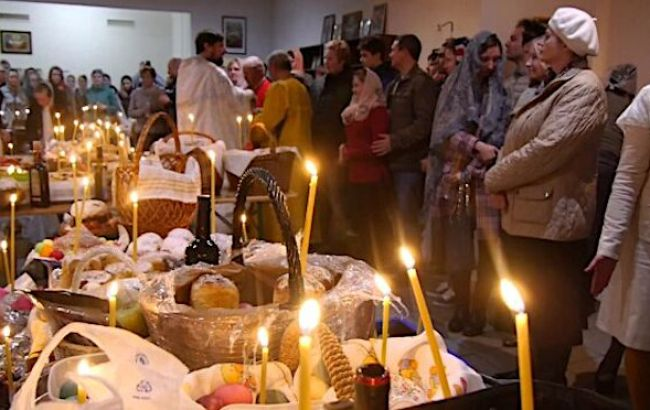 У МВС пояснили, які санкції чекають священників за порушення карантину у Великдень