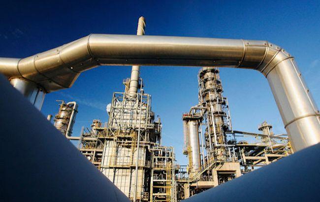 """Польская компания требует у российской """"Транснефти"""" компенсации за грязную нефть"""