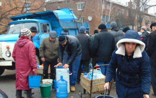 Фото: жителям Торецка обеспечили подвоз питьевой воды