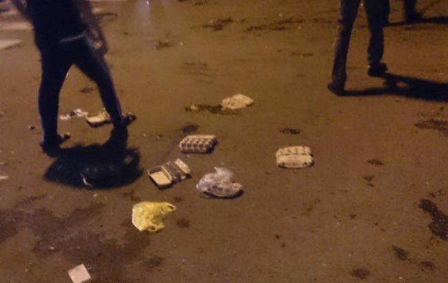 Фото: генконсульство України в Ростові закидали яйцями