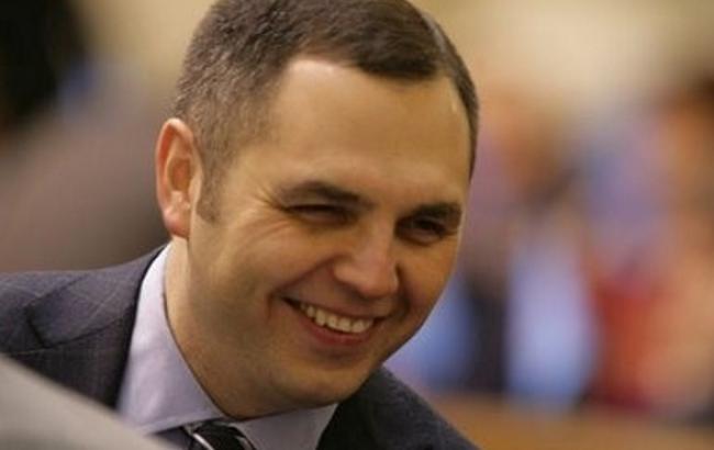 ЕС таки снял санкции с 4 чиновников команды Януковича, для 18 продлил