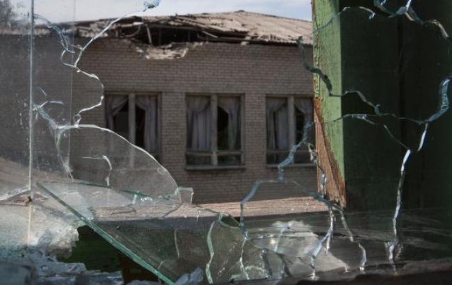 У Донецьку через вибух снаряда біля школи загинули 2 дітей, 4 - поранені, - СКМ