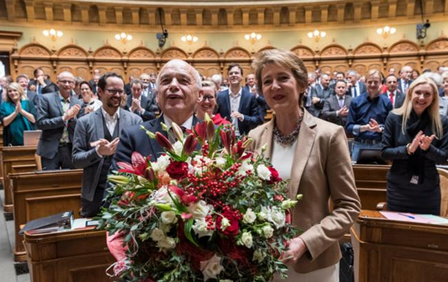 В Швейцарии избрали президентом Вели Маурера