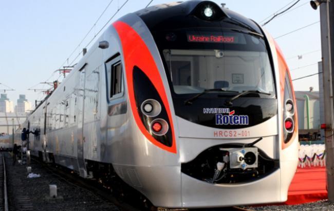 """Фото: поезд """"Интерсити"""" Киев-Львов"""