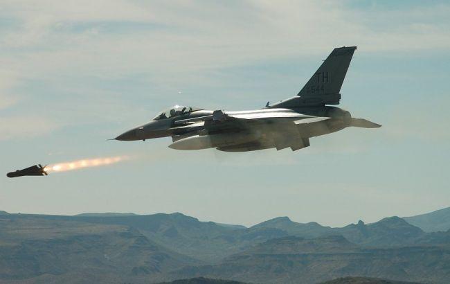 Фото: авіаудар в Іраку