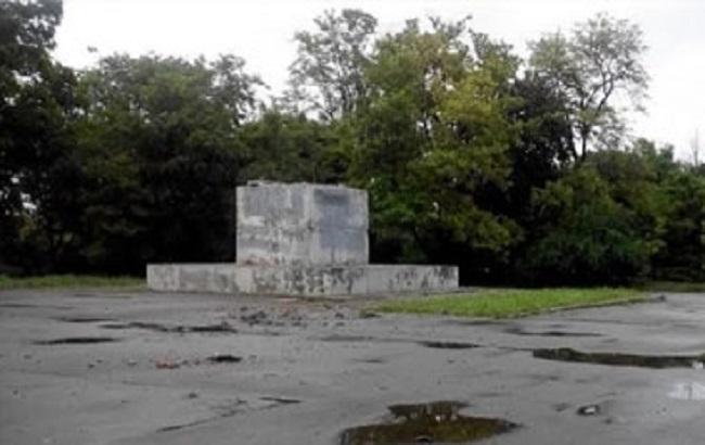 В Одессе демонтировали последний в городе памятник Ленину