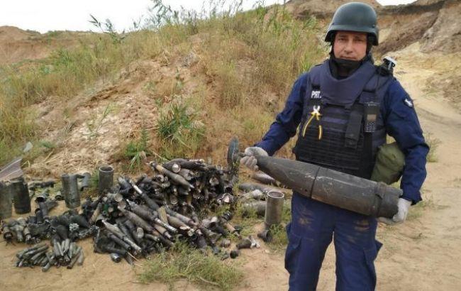 Піротехніки вилучили близько 1,5 тис.  боєприпасів після вибухів на складі у Донецькій області